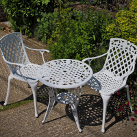 Rose Table Set - White (2 seater set)